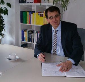 Frank Kontz Schreibtisch